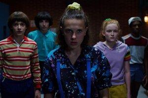 Aj v tretej sezóne seriálu Stranger Things sa mestečko Hawkins môže spoliehať na deti.