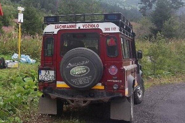 Zranenú transportovali záchranným vozidlom.