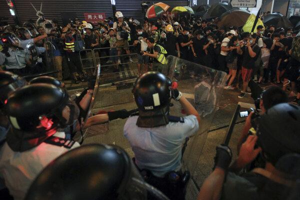 Záber z demonštrácií.