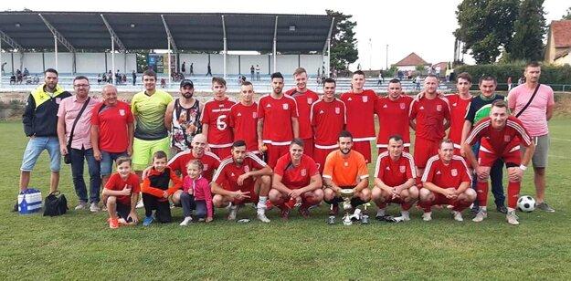 Futbalisti Hornej Kráľovej vyhrali močenský turnaj.