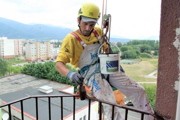 Michal Baďo pri práci.