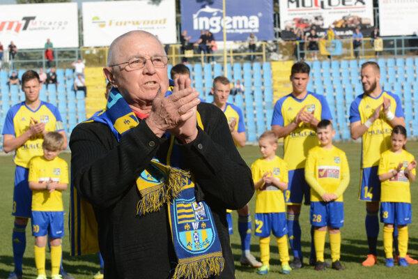 Klub FC Košice si na jar uctil Gejzu Farkaša pri jeho životnom jubileu - 70 rokov.