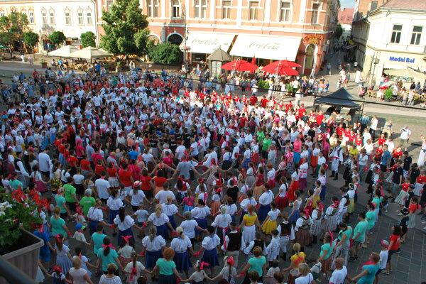 Karičku tancovalo v Košiciach 766 tanečníkov.