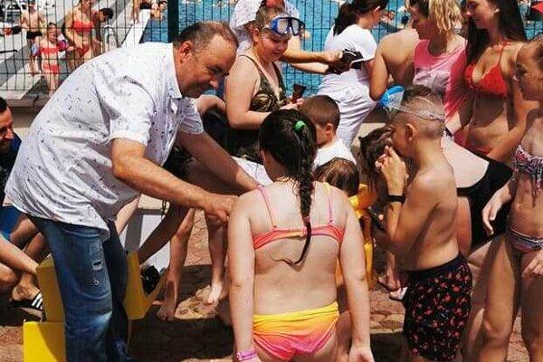 Primátor Čadce Milan Gura sľubuje dobudovať plavecký bazén.
