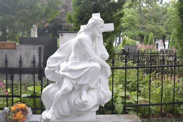 Náhrobná socha Krista spasiteľa.