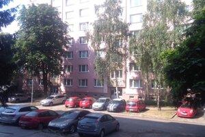 Bytový dom na Linčianskej, kde sa celý incident odohral.