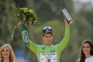Sagan v zelenom drese v Paríži v roku 2014.