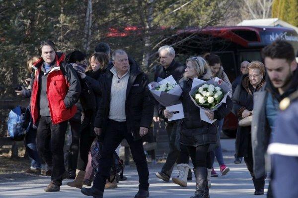 Obrad položenia vencov by mal byť jedinou verejnou aktivitou príbuzných prevažne nemeckých a španielskych obetí.