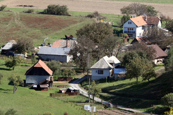 Župa chce pomôcť aj najmenším dedinám, aby sa neoberali o možnosti finančných podpôr.