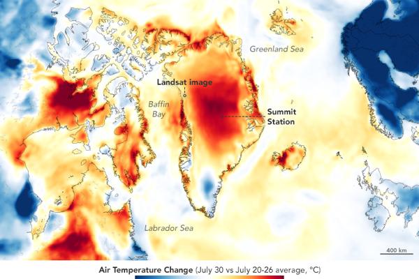 Mapa ukazuje krátkodobú teplotnú anomáliu nad Grónskom. Zobrazuje ako moc bola teplota vzduchu nad alebo pod priemerom dňa 30. júla 2019. Červená farba, ktorá sa rozprestiera nad celou strednou časťou grónska, ukazuje teploty nad priemerom.