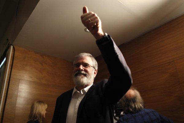 Na pochode sa zúčastnil aj vodca írskej republikánskej strany Sinn Féin Gerry Adams.