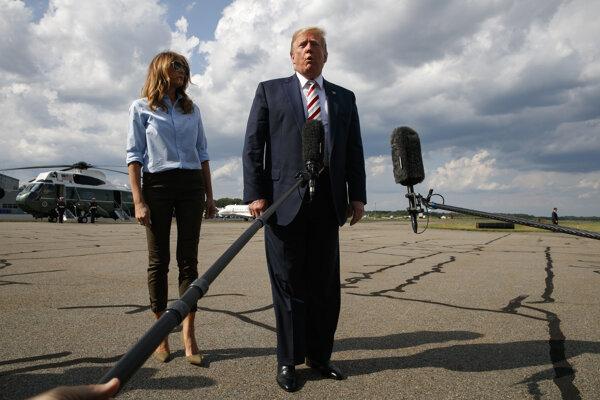 Donald Trump sa vyjadril k útokom v El Pase a Ohiu na základni Morristown pred nástupom do Air Force One.