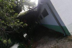 Škody po vyčíňaní búrky v Kráľovom Brode.