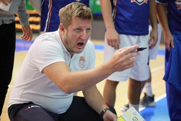 Erich Korfanta povedie Spišiakov aj v budúcej sezóne.