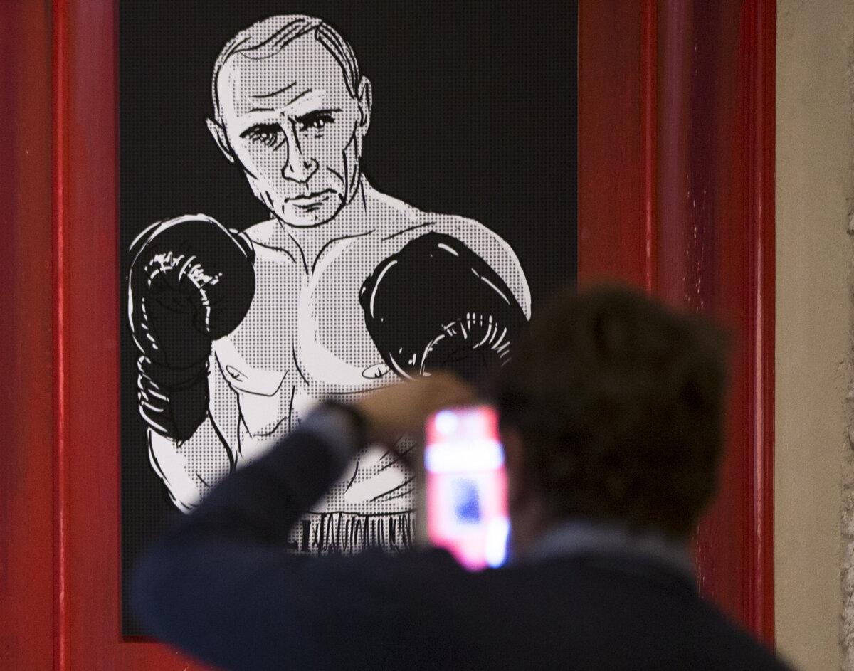 Putin je pri moci dvadsať rokov. Rusko bez neho čaká kríza, vraví analytik