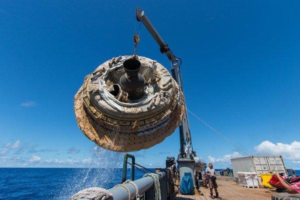 Americká NASA testovala cez víkend svoj tanier LDSD v tichomorských vodách neďaleko Havaja.