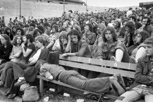 Slobodné územie Pezinok. Hudba bola pre mnohých mladých ľudí formou vzdoru proti komunistickému režimu.