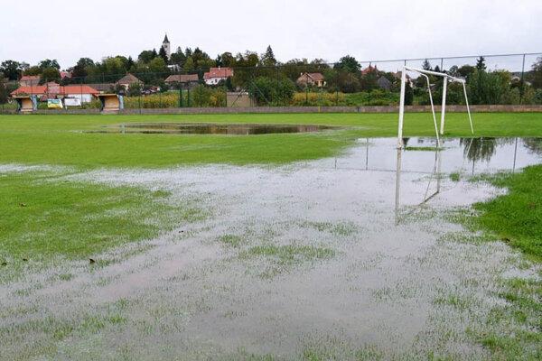 Viacero stretnutí bolo odložených pre výdatný dážď.