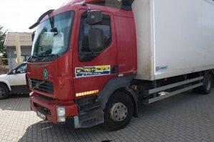 Z tohto nákladného auta zlodej ukradol ruksak vodiča.