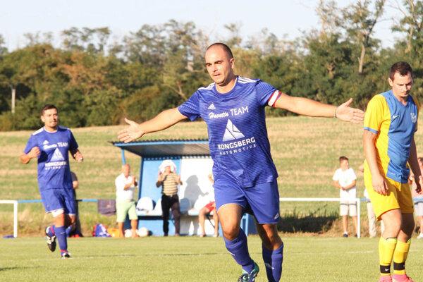 Tomáš Bako a Tadeáš Mikle potiahli Klasov k výhre 7:1 v Nevericiach.