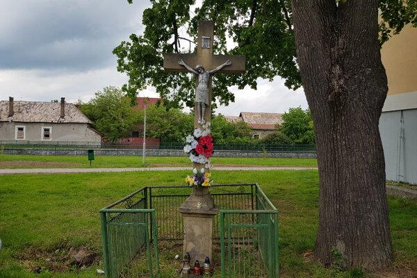 Kríž sa dočká obnovy.