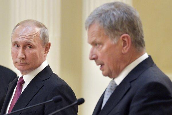 Spoločná tlačová konferencia ruského prezidenta Vladimira Putina a jeho fínskeho náprotivku Sauliho Niinistöa v Helsinkách.