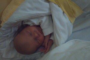 Alex Bradáč (2680 g, 48 cm) sa narodil 3. augusta Tatiane a Tomášovi z Púchova.