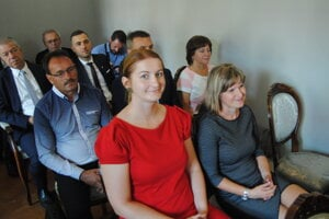 Zľava Zuzana Germanová, starostka Richvaldu a jej kolegyňa z Vrbova Tatiana Faltinová.