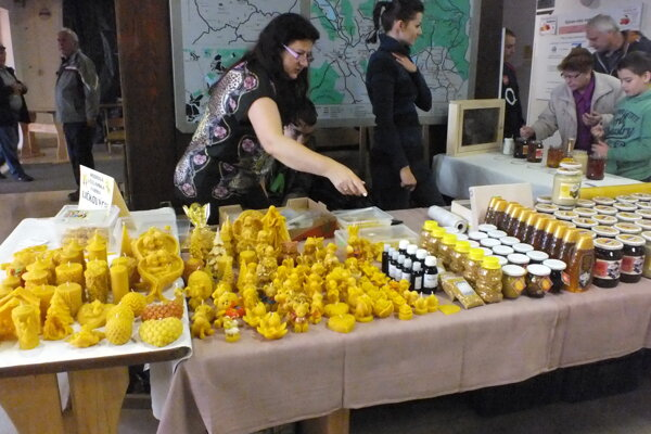 ZO SZV pravidelne usporadúva včelársku výstavu, kde jednotliví producenti výrobkov z medu prezentujú svoje produkty.