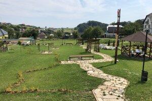 Park v obci Červená Voda.