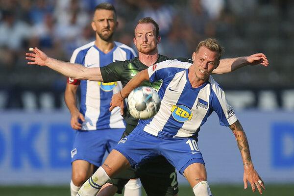 Ondrej Duda počas zápasu Herthy Berlín a Wolfsburgu.