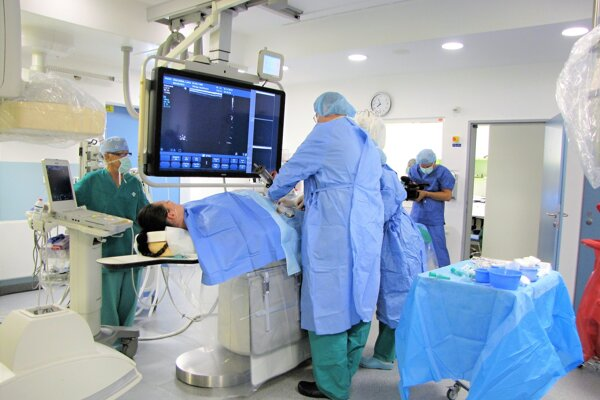 Na operačnej sále.