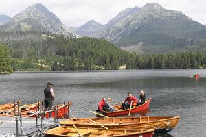 Vysoké Tatry obľubujú turisti zo Slovenska, ale aj zahraničia.