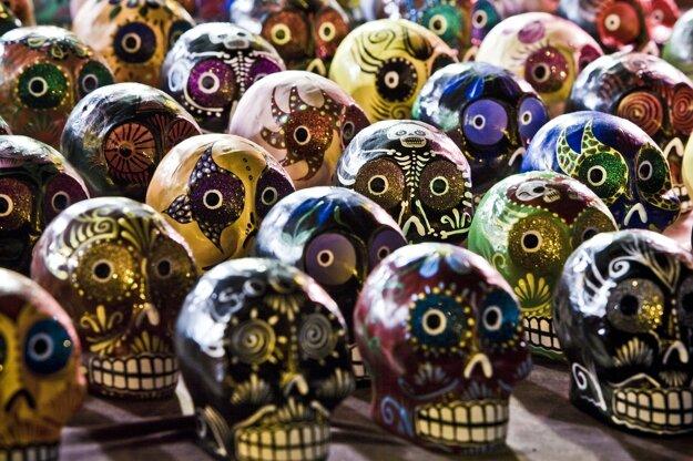 Lebky nájdete v čase Dia de Los Muertos v Mexiku v rôznych podobách