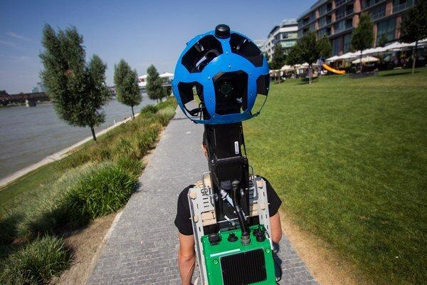 Snímacie zariadenia Googlu sa chcú časom dostať aj na najodľahlejšie cesty sveta.