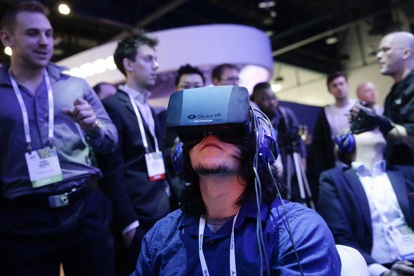 Elektronika bude komunikovať, 3D tlač zlacnie.