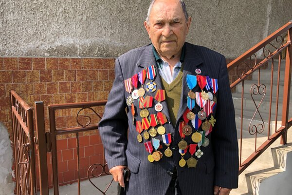 94-ročný Ján Jurčišin z obce Vagrinec v okrese Svidník, ktorý sa ako 18-ročný stal príslušníkom 1. československého armádneho zboru.
