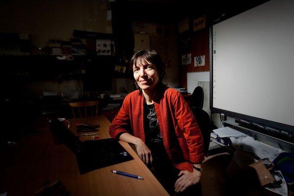 Prof. Ing. Mária Bieliková, PhD. pôsobí na Ústave informatiky a softvérového inžinierstva Fakulty informatiky a informačných technológií STU. Minister školstva, vedy, výskumu a športu ju ocenil titulom Osobnosť vedy a techniky za rok 2010. V rokoch 20