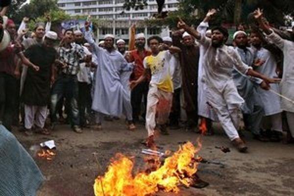 Protesty sa rozšírili do celého arabského sveta.