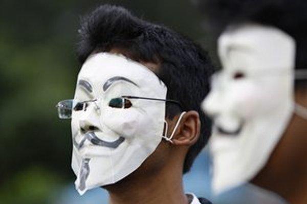 Vírus zrejme nie je dielom anonymných hackerov.