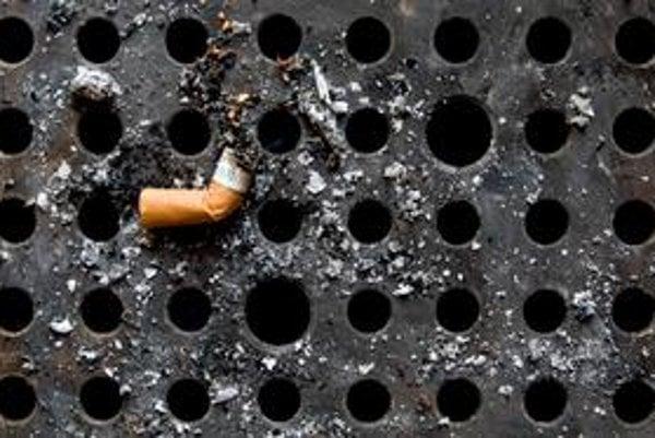 Nikotínové náplaste nezbavia závislosti od cigariet.