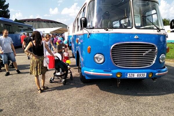 Podujatie Spoznaj svoj autobus bolo v tomto roku spojené s oslavou 70. výročia založenia ČSAD Žilina.