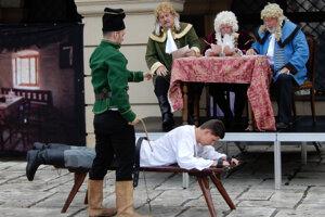 Liptáci už valašku oficiálne predstavili. Nechýbala ani scénka z Jánošíkovho súdu.
