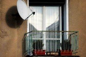 Na domoch pribúdajú pre blížiacu sa digitalizáciu satelity.