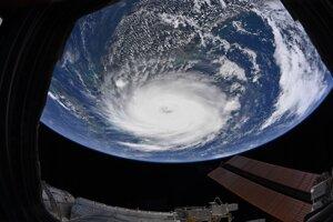 Hurikán Dorian z ISS odfotený v pondelok 2. septembra.