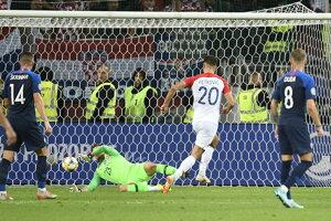 Bruno Petkovič dáva gól v zápase Slovensko - Chorvátsko v kvalifikácii EURO 2020.