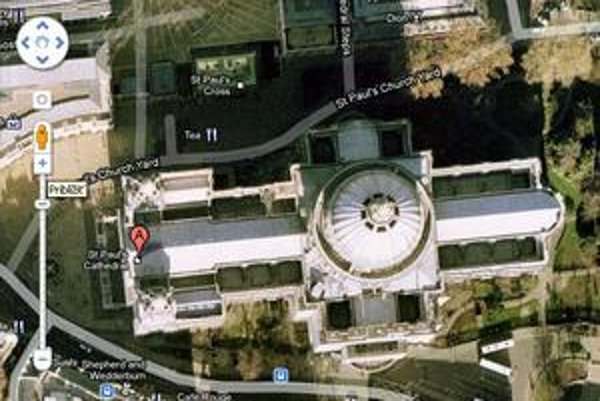 Pohľad na strechu Katedrály svätého Pavla v Londýne cez satelit. Na túto si zlodeji zrejme netrúfnu.
