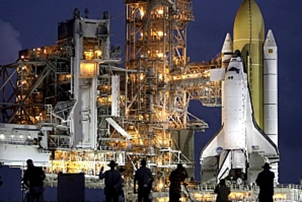 Odložia štart raketoplánu Discovery?
