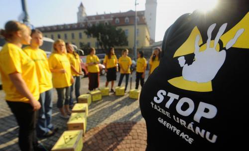 proti-uranu-greenpeace7_tasr.jpg