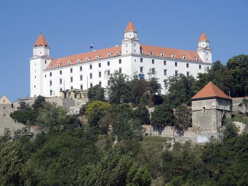 hrad_res.jpg